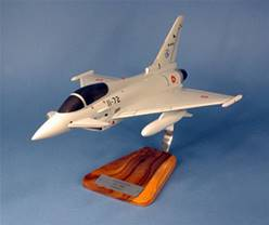 EUROFIGHTER TYPHOON ESPAÑOL (36 x 22 cm)   EN MADERA, ESCALA 1/40