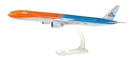 BOEING 777-300 KLM ORANGE PRIDE  - SEMIMONTADO ESCALA 1/200