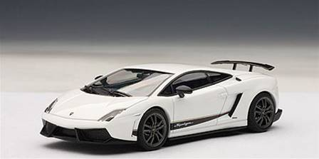 LAMBORGHINI GALLARDO LP570-4 SUPERLEGGERA BLANCO